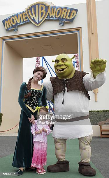 Shrek and Princess Fiona attend the opening of the Shrek 4D Adventure at Warner Brothers Movie World September 16 2005 on the Gold Coast Australia
