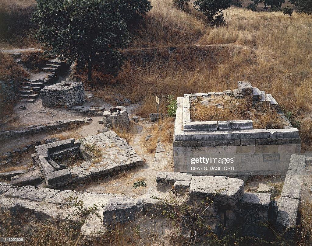 Shrine in Troy VII : Nachrichtenfoto