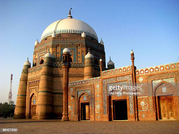 shrine of shah rukn e alam - multan stock pictures, royalty-free photos & images