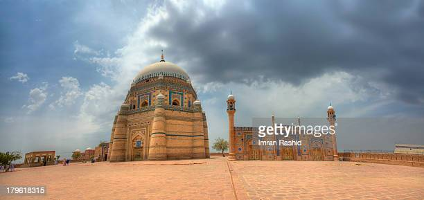shrine of shah rukn-e-alam - multan stock pictures, royalty-free photos & images