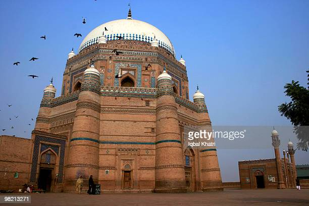 shrine of shah rukn-e-alam - multan stock photos and pictures