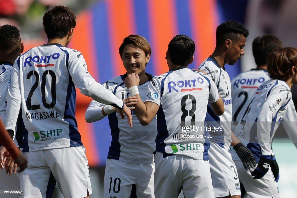 Shu Kurata of Gamba Osaka (C) celebrates scoring the opening goal with his team mates during the J.League J1 match between Albirex Niigata and Gamba Osaka at Denka Big Swan Stadium on April 1, 2017 in Niigata, Japan.