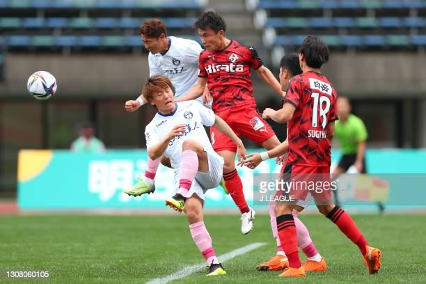 Shuhei Kamimuraof Roasso Kumamoto heads to score his side's second goal during the J.League Meiji Yasuda J3 match between Roasso Kumamoto and...