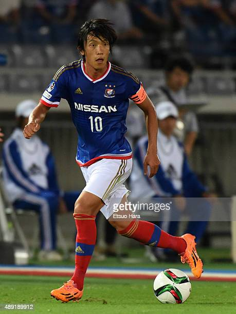 Shunsuke Nakamura of Yokohama FMarinos in action during the JLeague match between Yokohama FMarinos and FC Tokyo at Nissan Stadium on September 19...