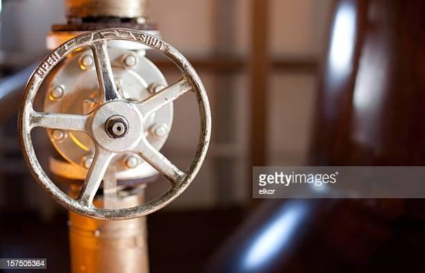 Fermés-interrupteur ouverte dans une distillerie de whiskey, Islay, Écosse.