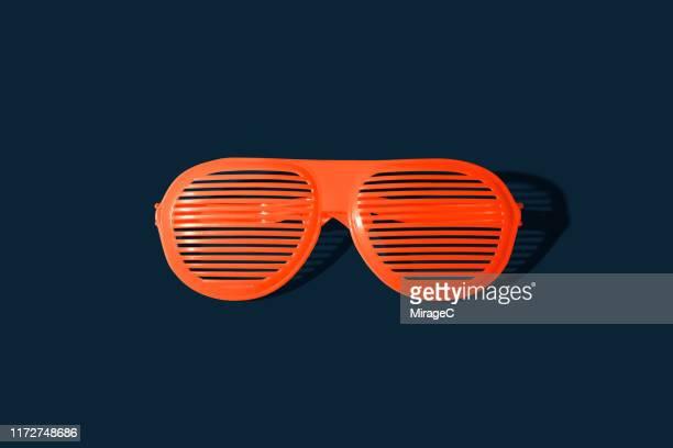shutter shades eyeware - gafas de sol fotografías e imágenes de stock
