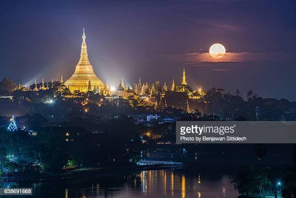 Shwedagon Pagoda and Kandawgyi Lake at night, Yangon, Myanmar