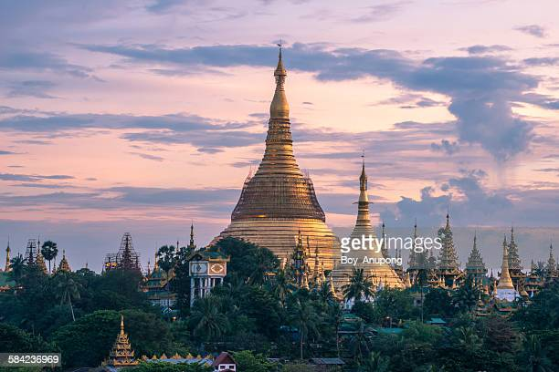 shwedagon pagoda the heart of yangon, myanmar.myan - yangon stock pictures, royalty-free photos & images