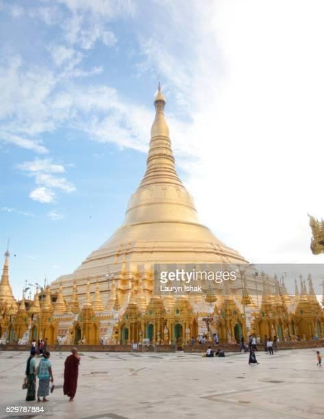 shwedagon pagoda, yangon, myanmar - lauryn ishak stock pictures, royalty-free photos & images