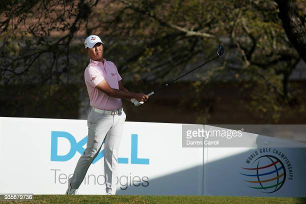 Si Woo Kim of South Korea plays his shot from the first tee during the first round of the World Golf ChampionshipsDell Match Play at Austin Country...