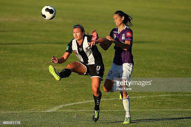 Siahn Bozanic of the Jets and Kathryn Gill of the Glory contest for the ball during the round nine WLeague match between the Perth Glory and the...