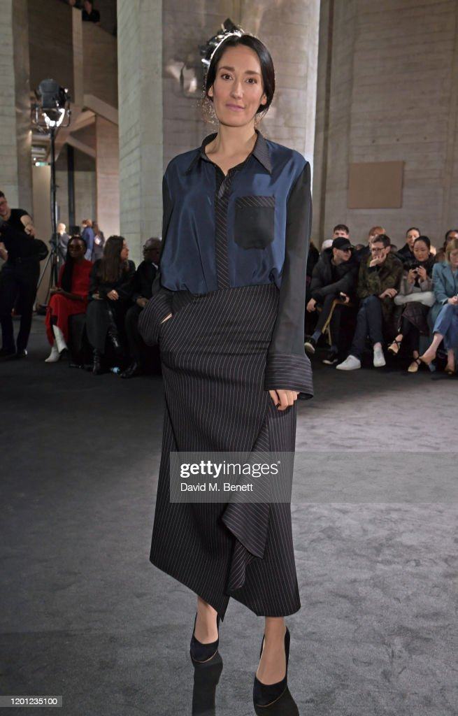 Roland Mouret - Front Row - LFW February 2020 : News Photo