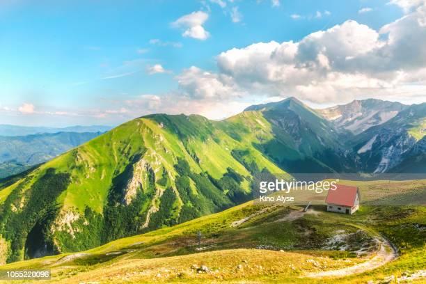 sibilla mountain - marche italia foto e immagini stock