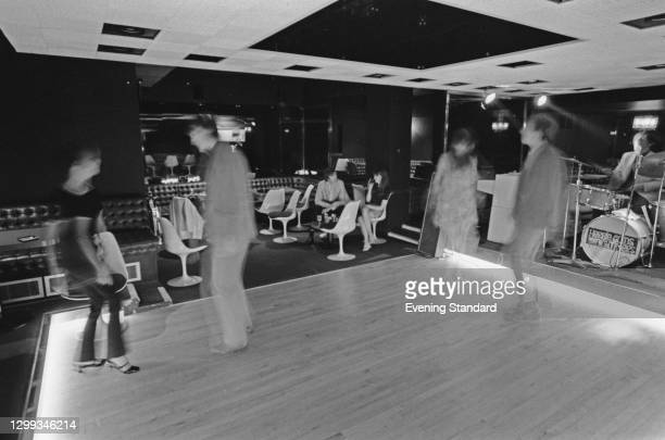 Sibylla's, a new nightclub on Swallow Street, in London's West End, UK, 1966. Herbie Goins and the Nightimers are the featured act.