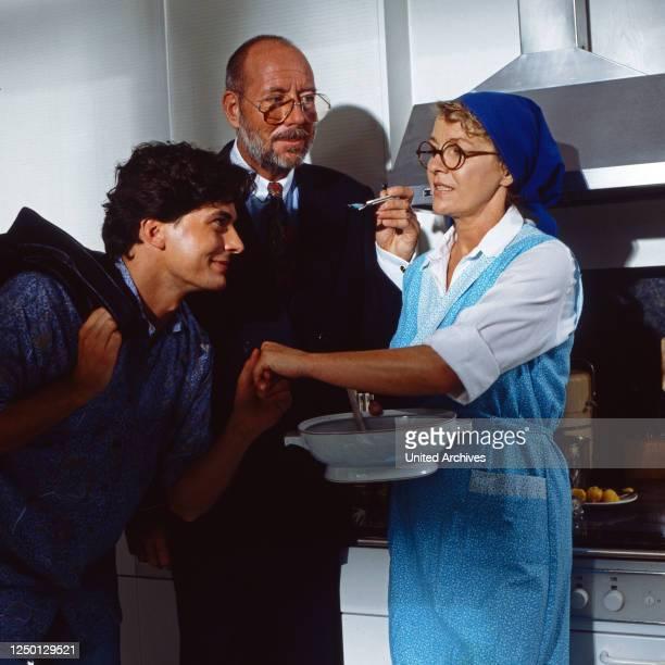 Sicher ist sicher, Krimisererie, Deutschland 1993, Folge: Wenn ein Chirurg zum Beil greift, Darsteller: Pascal Breuer, Klaus Guth, Gila von...