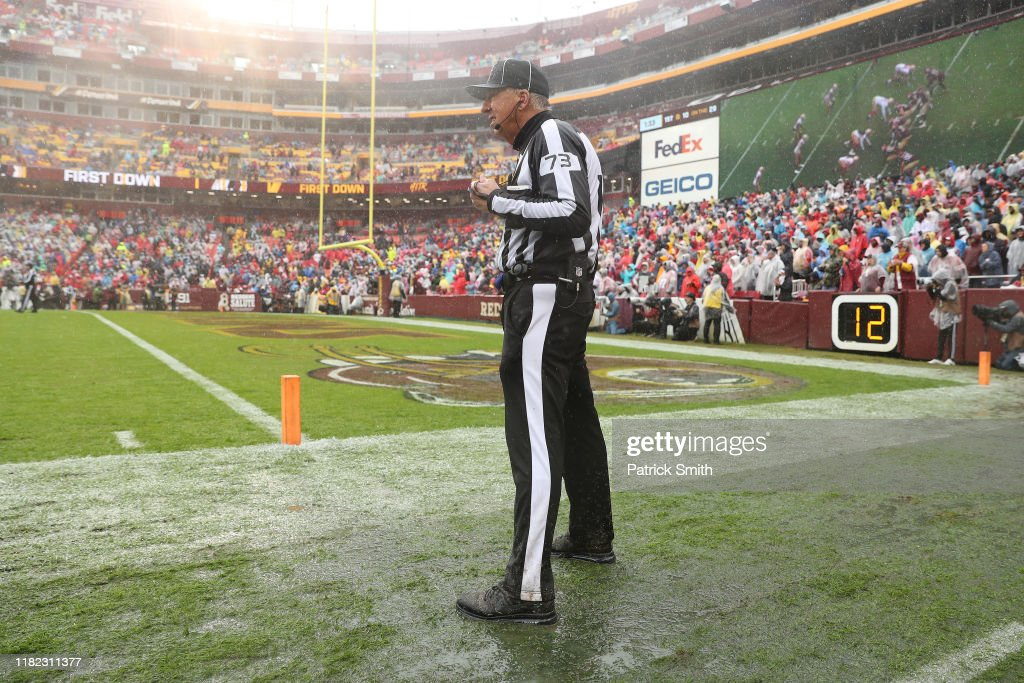 San Francisco 49ers vWashington Redskins : News Photo