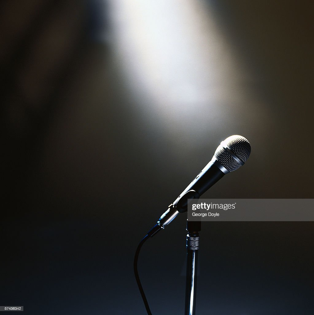 side profile of a microphone on a stand : Stock Photo