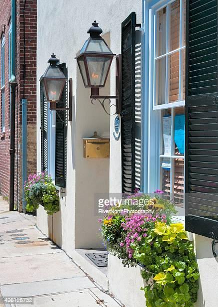 サイドの街、サウスカロライナ州チャールストン - ガス燈 ストックフォトと画像