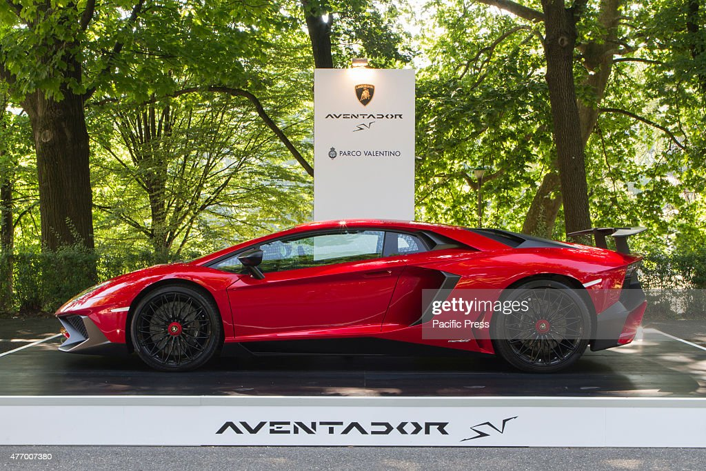 Side View Of Lamborgini Aventador Parco Valentino Car Show Hosted 93 Cars  By Many Automobile Manufacturers