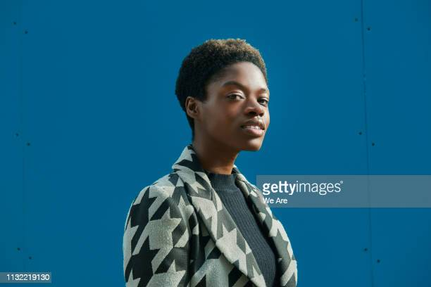 side view portrait of beautiful woman. - colour block stock pictures, royalty-free photos & images