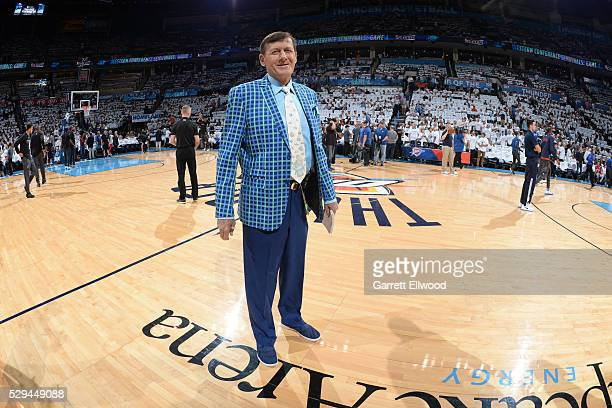 NBA sideline reporter Craig Sager looks on before Game Four of the Western Conference Semifinals between the San Antonio Spurs and Oklahoma City...