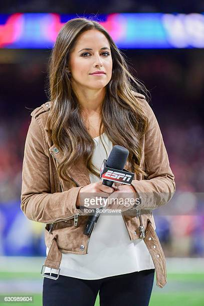 ESPN sideline reporter Kaylee Hartung prepares to open the game for the ESPN TV audience before the Sugar Bowl game between the Auburn Tigers and...