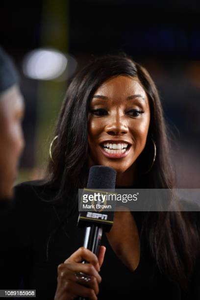 ESPN sideline reporter Maria Taylor in action during the game between the Alabama Crimson Tide and the Oklahoma Sooners at Hard Rock Stadium on...