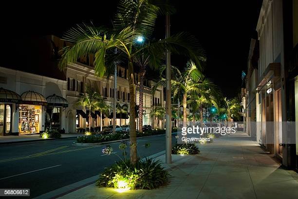 sidewalk at the rodeo drive at night, los angeles, california, usa - beverly hills - fotografias e filmes do acervo
