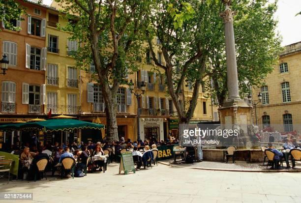 sidewalk cafes on the place de hotel de ville - aix en provence stock pictures, royalty-free photos & images