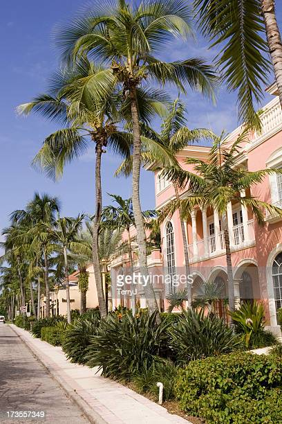 sidewalk on fifth - naples florida stock pictures, royalty-free photos & images