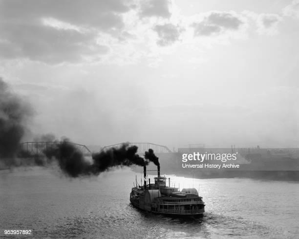 Side-wheeler Steamboat on Ohio River at Sunset, Cincinnati, Ohio, USA, Detroit Publishing Company, 1900.