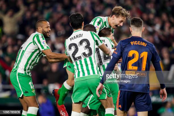 Sidnei of Real Betis Aissa Mandi of Real Betis William Carvalho of Real Betis Sergio Canales of Real Betis Cristiano Piccini of Valencia CF during...