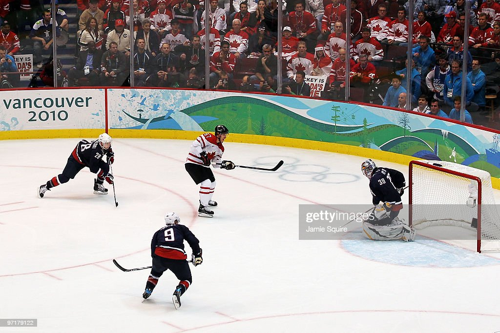Ice Hockey - Men's Gold Medal Game - Day 17 : News Photo