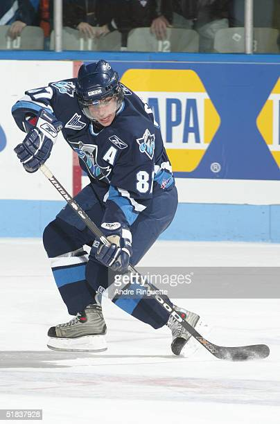 Sidney Crosby of Rimouski Oceanique skates against the Gatineau Olympiques during the Quebec Major Junior Hockey League game at Robert Guertin Arena...