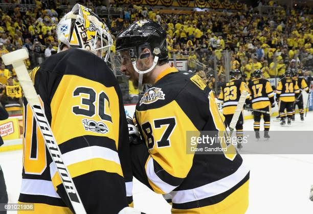 Sidney Crosby of the Pittsburgh Penguins congratulates goaltender Matt Murray after they defeated the Nashville Predators 41 in Game Two of the 2017...