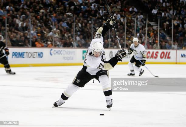 Sidney Crosby of the Pittsburgh Penguins skates against the Anaheim Ducks at the Honda Center on November 3 2009 in Anaheim California