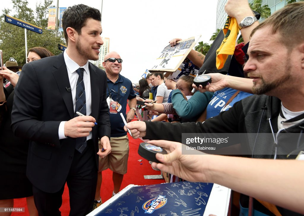 Sidney Crosby #87 of the Pittsburgh Penguins walks the red carpet prior to playing in the 2018 Honda NHL All-Star Game at Amalie Arena on January 28, 2018 in Tampa, Florida.