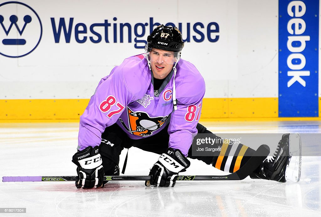 size 40 cb4ac 3b25b Sidney Crosby of the Pittsburgh Penguins warms up while ...