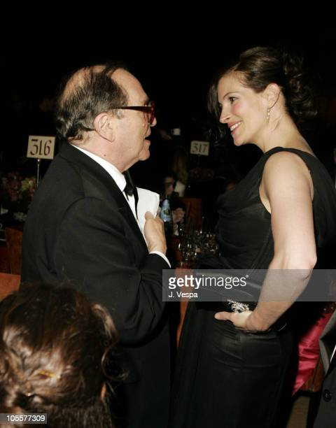 Sidney Lumet recipient of an Honorary Oscar with Julia Roberts