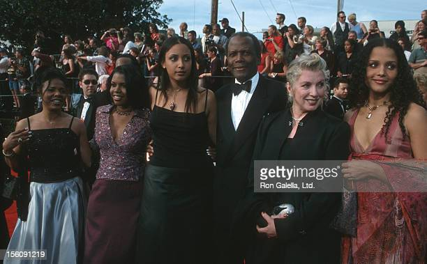Sidney Poitier, Joanna Shimkus and daughters during The 6th Annual Screen Actors Guild Awards at Shrine Auditorium in Los Angeles, California, United...