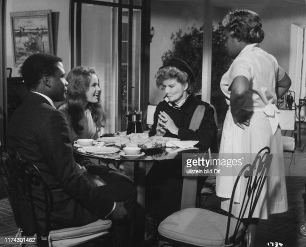 Sidney Poitier Katherine Houghton Katharine Hepburn Isabel Sanford in Guess Who's Coming to Dinner 1967
