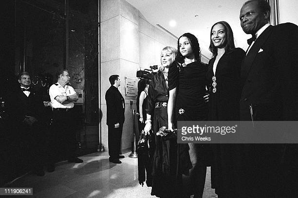 Sidney Poitier with Joanna Shimkus, Anika Poitier and Sydney Tamiia Poitier