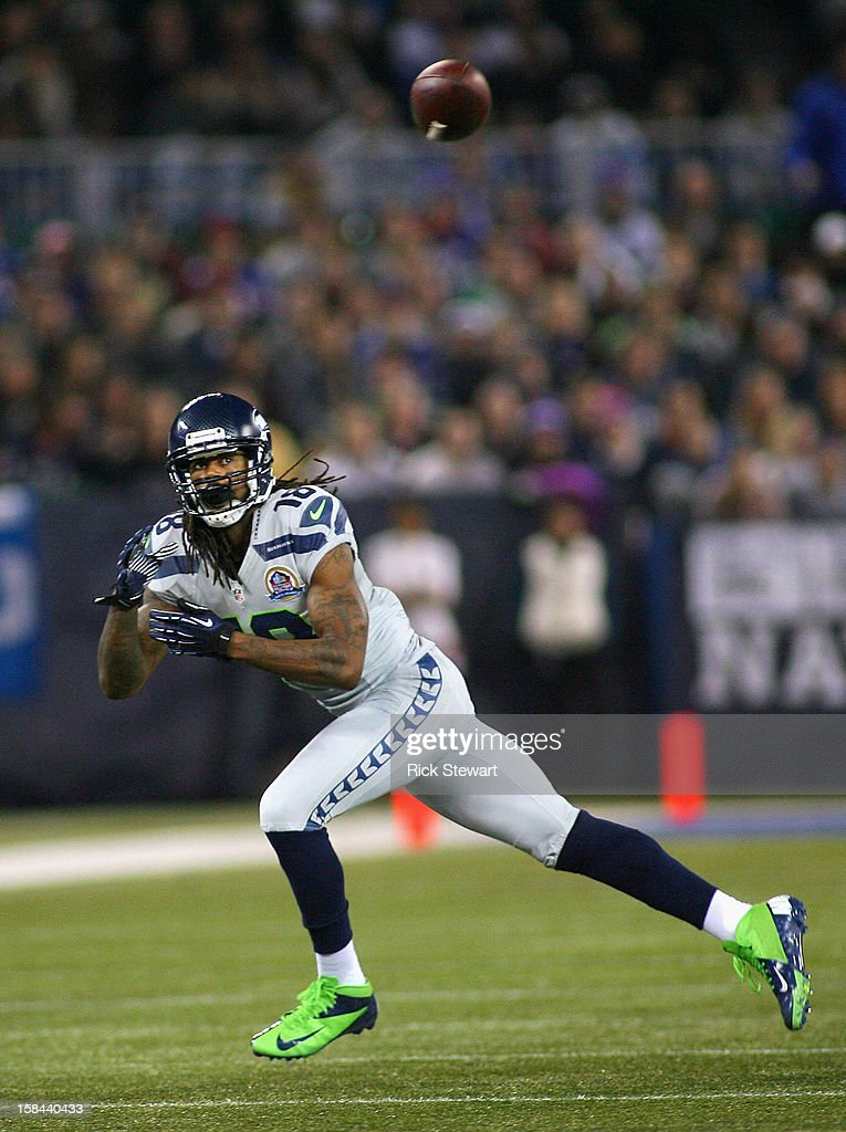 Sidney Rice #18 of the Seattle Seahawks makes a catch against the Buffalo Bills at Rogers Centre on December 16, 2012 in Toronto, Ontario, Canada. Seattle won 50-17.