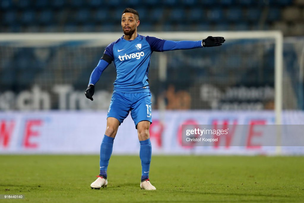 Sidney Sam of Bochum issues instructions during the Second Bundesliga match between VfL Bochum 1848 and SV Darmstadt 98 at Vonovia Ruhrstadion on February 9, 2018 in Bochum, Germany.The match between Bochum and Darmstadt ended 2-1.