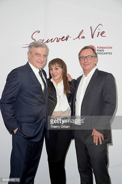 Sidney Toledano Babeth Djian and Bruno Pavlovsky attend the diner 'sauver la vie' Eric Pfrunder Hosts 'Sauver La Vie' Diner for Paris Descartes...