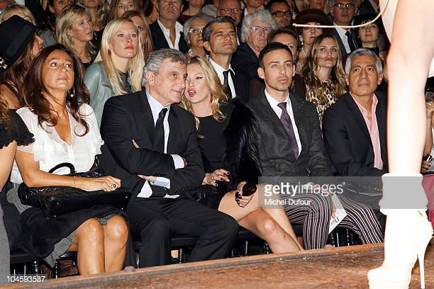 Sidney Toledano Kate Moss and Alexis Roche attend the Christian Dior Ready to Wear Spring/Summer 2011 show during Paris Fashion Week at Espace...
