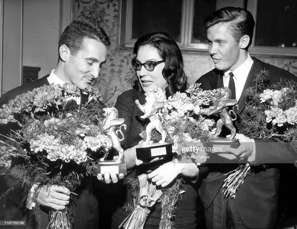 """""""Löwen""""-Verleihung 1962 - Gold an Freddy Quinn : Photo d'actualité"""
