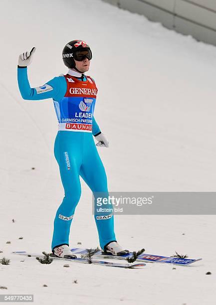 Sieger Anders Jacobsen jubelt nach der Landung waehrend dem FIS Skispringen Weltcup bei der 61 Vierschanzentournee am 1 Januar 2013 in Garmisch...