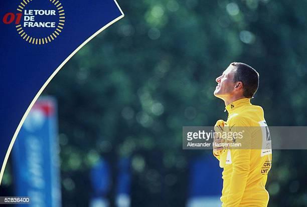 ESSONNES PARIS 20 ETAPPE SIEGEREHRUNG Sieger Lance ARMSTRONG/USA US POSTAL im gelben Trikot