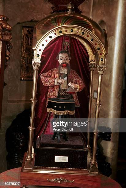 Siegfried 6 Roy Homestory Dschungel Palast Las Vegas/Nevada/USA antiquarische Ballzaubererfigur The Conjurer von Gaston Decamps Paris Wert 250000 $